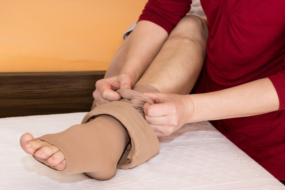 compression-stockings:-how-to-take-them-off-easily-[video-demonstration]